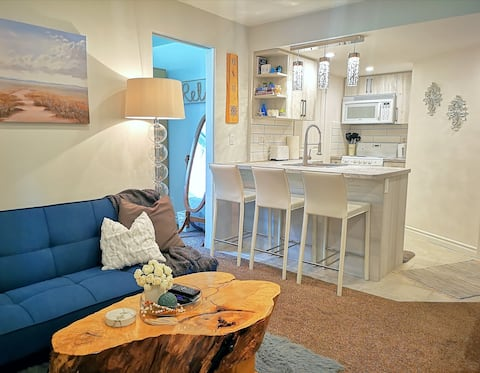 Your Mini Home Away from Home in Forest Hills