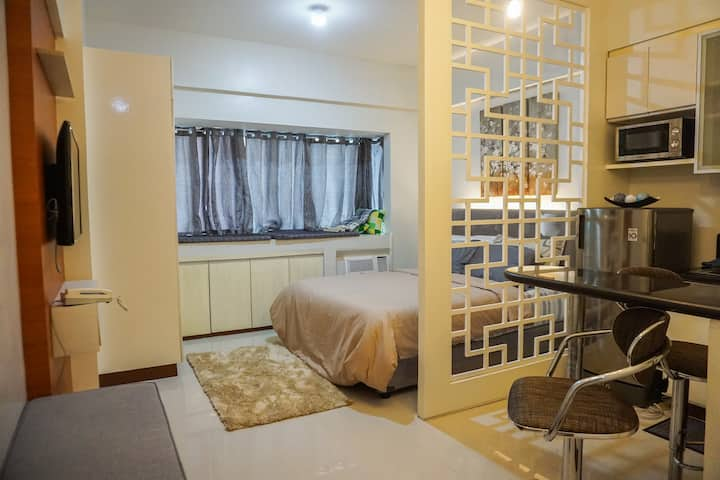 Luxurious studio at the heart of McKinley hill