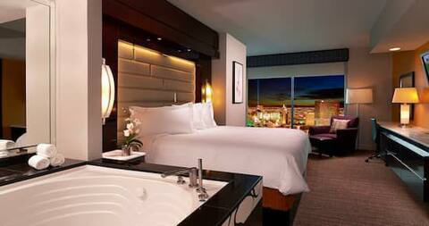 Amazing View! Bedroom king Suite Las Vegas