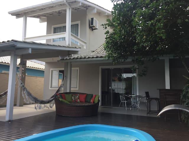 Casa 4 quartos com piscina no Campeche/Floripa