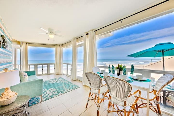 Beautiful Oceanfront Home w/ Endless Water Views+Walk to All