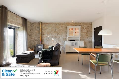 Spacious and bright apartment with spectulair view