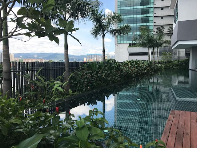 NEW Ensuite, Swimming pool,Gym, BEST AREA IN KLCC* - Kuala Lumpur - Condominium