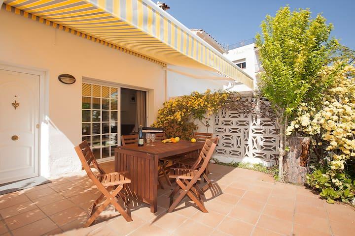 Casa en la Costa Brava, cerca de la playa.A/A.