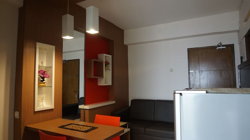 Hartoko Rooms 2BR Bandung City Apartment w/Balcony