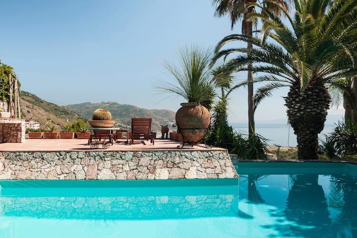 VILLA LOU Panoramic Suite Sea View Terrace Pool