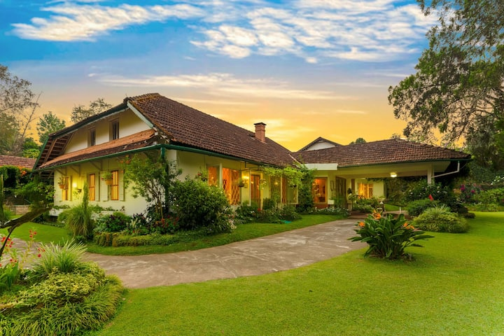 150 yr old Lux. Villa in 200 Acr Coffee Plantation