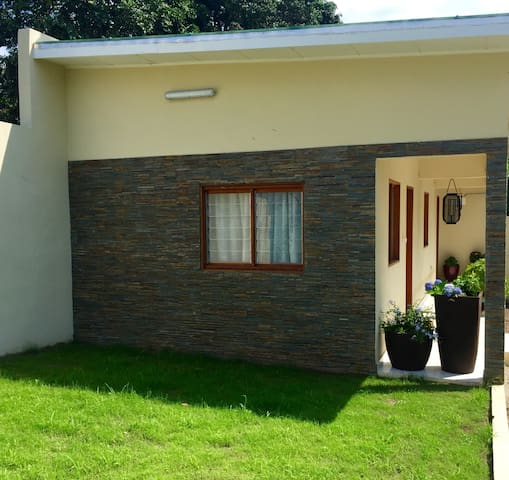 Cozy Modern 1BR guest house in Libreville - Libreville