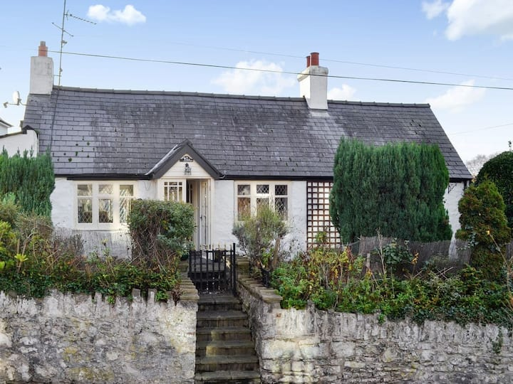 Lilac Cottage (27493)