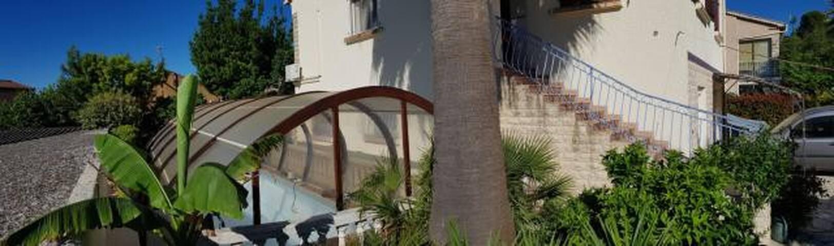 Rez-de-Villa sous le soleil provençal