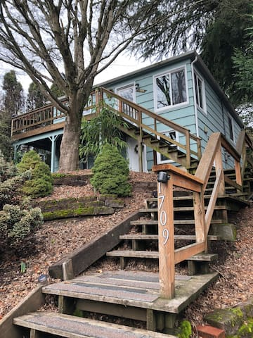 SW PDX 2-Bed Apt. in Beautiful Hillsdale