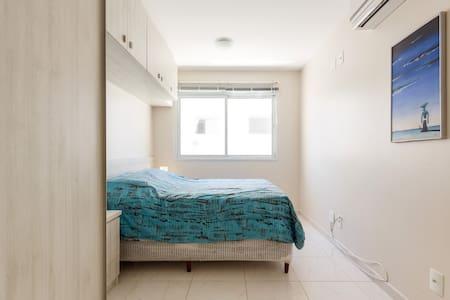 Conforto a 300 mts do mar, aconchegante, iluminado - 弗洛里亚诺波利斯 - 公寓