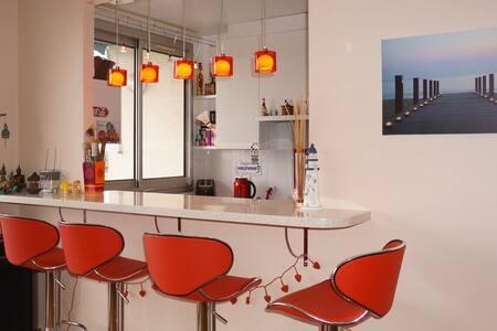 Un bel espace à vivre au 8ieme étage. - Saint-Cloud