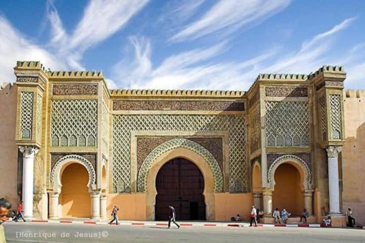 Appartement pour famille au centre ville Meknès .