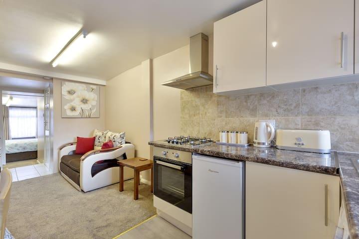 Lovely Slough Home Near Heathrow & Windsor