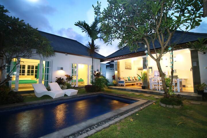 Beautiful Beachside Pool Villa - 3 Bedrooms