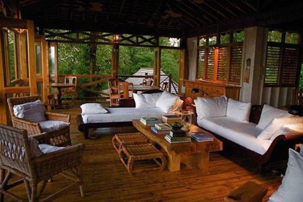 Treetop Lounge