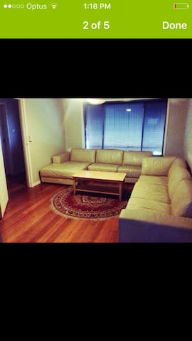 Comfort clean bed room Melton vic - Melton - Casa