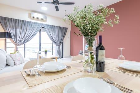 Minimalist Cozy Home @ SetiaWalk Puchong