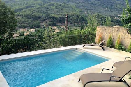 Casa con piscina, terraza y vistas impresionantes - Fornalutx - Villa
