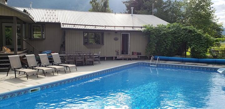Ryan Creek Lodge