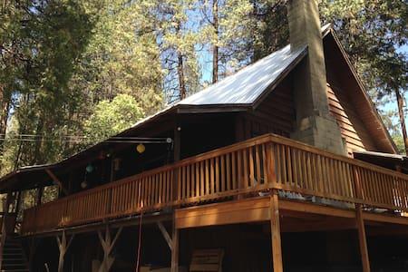 Cedar Valley Cabin Near Yosemite - Kisház