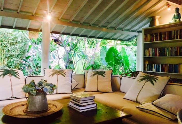 Boho chic B&B - SEMINYAK/ private rooms, pool