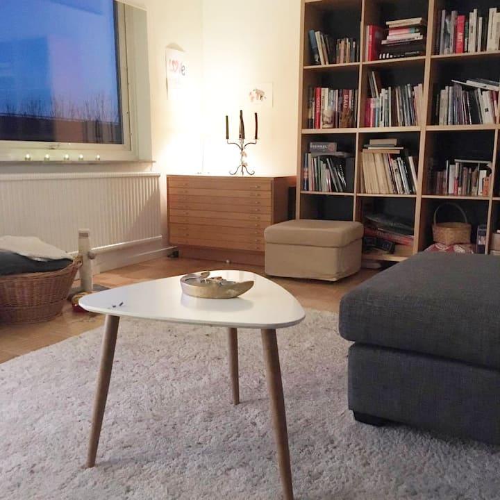 Room 10 min from city center and Slottskogen