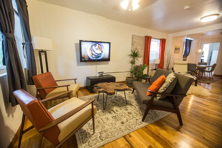 Newly Remodeled 2Bed/1Bath entire house in LoHi!