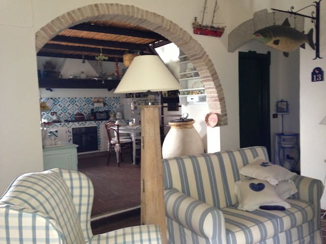 Cottage La Vignetta. Sea and Sardinia with charm.