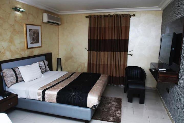 Jonaith Hotels - Emerald Room