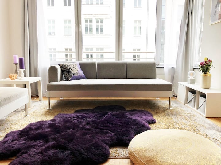 Helles Design-Apartment in Berlin Mitte!