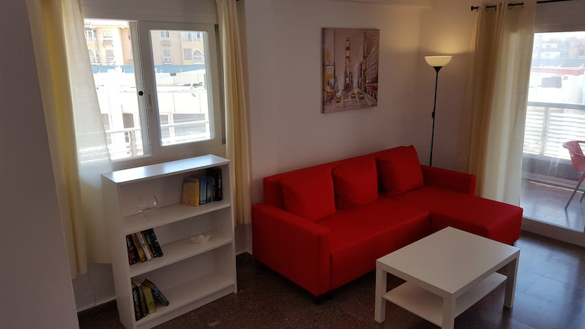 Flat in El Cruce. near Poniente Beach