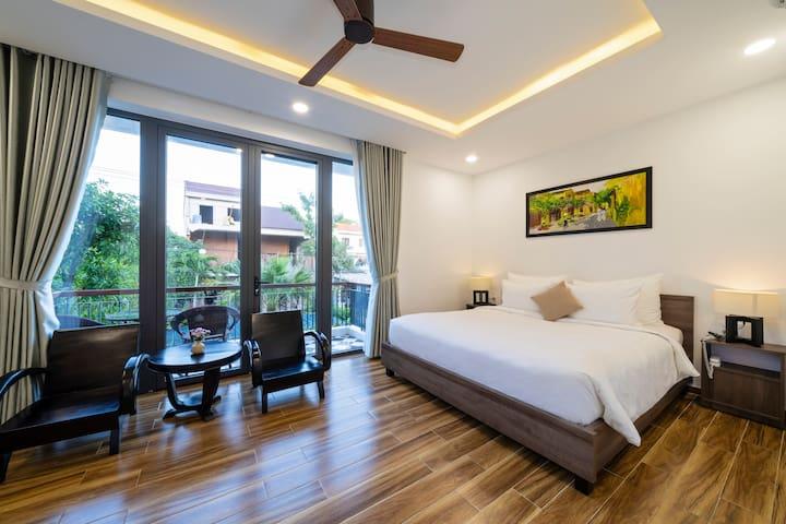 Deluxe Queen Room With Balcony - The Nam An Villa