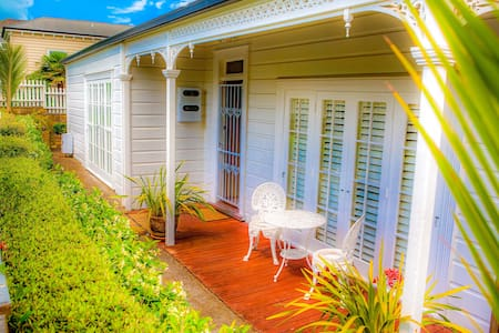 Charming Parnell Villa - Comfortable and Central