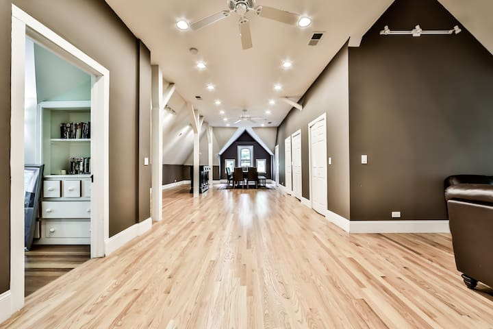 WFH or Live/Work in expansive beautiful space