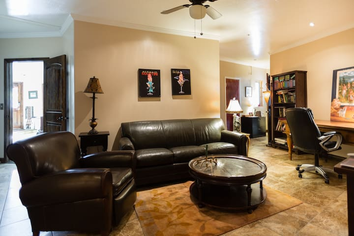 Two room private bath & kitchenet - Park City - House