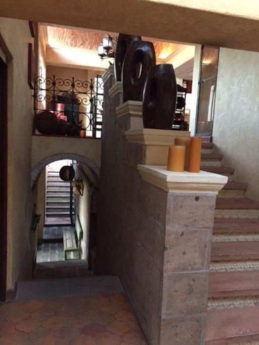 Escaleras que te llevan al comedor