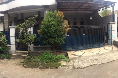 Rumah kampus upi cibiru soekarno hatta bandung