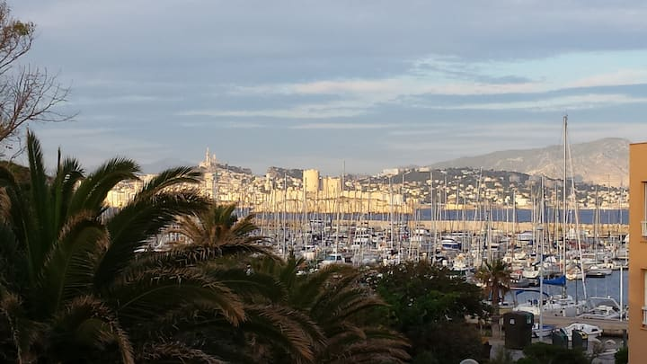 îles du Frioul, beau studio vue Marseille et mer