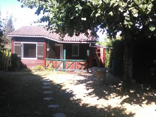 chalet avec jardin 4 couchages l - Montalieu-Vercieu - Appartement