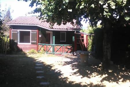 chalet avec jardin 4 couchages l - Montalieu-Vercieu - Apartment