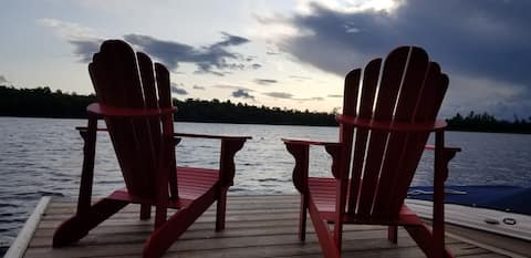 Quiet Log Cabin on 100 acre private lake