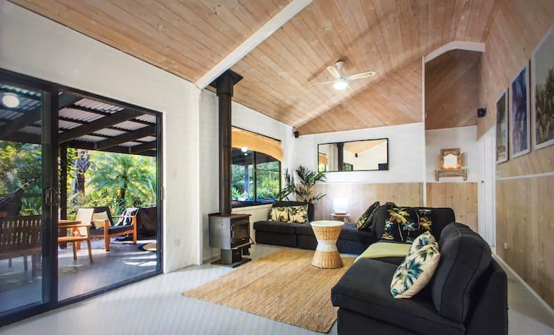 Beach, Surf & Rainforest Retreat Noosa Hinterland