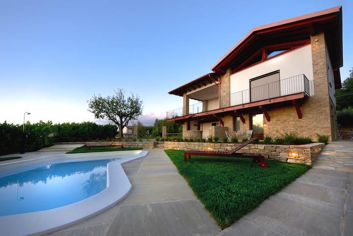 Residence Masnaiot - Pietra e Legno