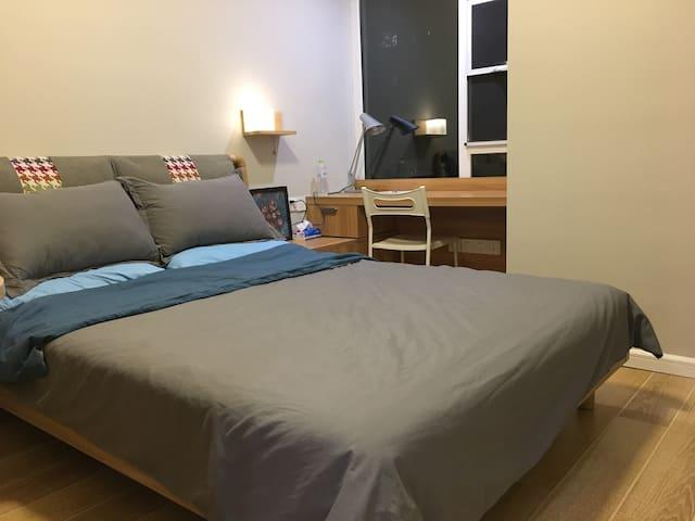 超温馨大床房