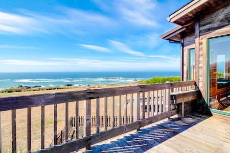 Two-story oceanfront home w/gorgeous Pacific Ocean views! Near trails to beaches