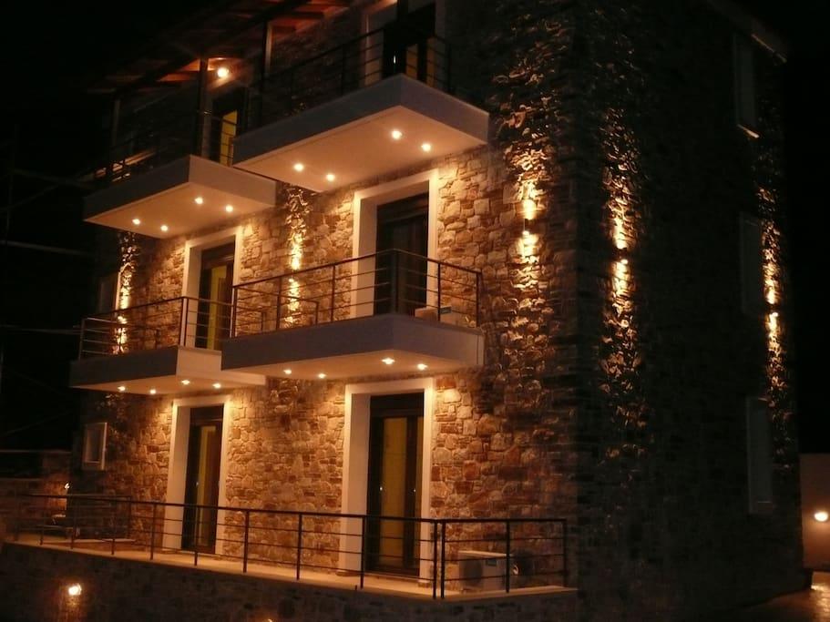 Labetia τη νύχτα