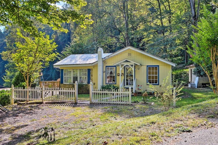 NEW! Cottage w/ Mtn Views Near Tail of the Dragon!