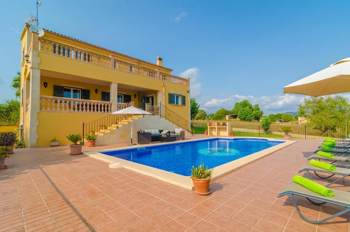 Villa with 4 bedrooms in Cas Concos des Cavaller, with wonderful mountain view, private pool, furnished garden